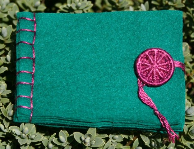 Dorset Button Sewing Kit - Needle Book, Fir Green
